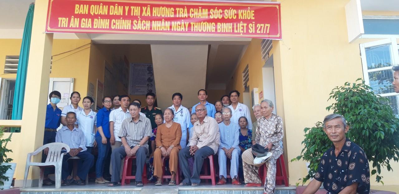 Ban Quân Dân y Hương Trà khám bệnh cấp phát thuốc miễn phí tri ân ngày thương binh liệt sĩ