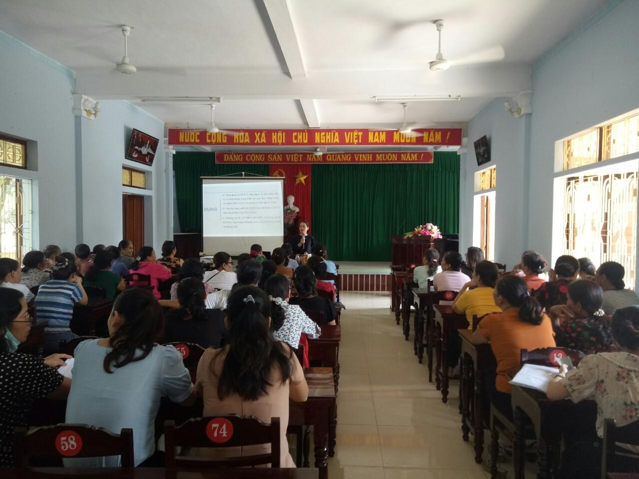 Hội Liên hiệp Phụ nữ thị xã Hương Trà: Tập huấn nội dung Đề án 404