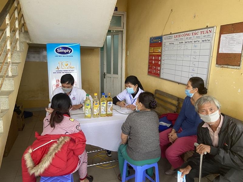 Khám miễn phí và tư vấn dinh dưỡng, phòng chống bệnh tim mạch cho người dân