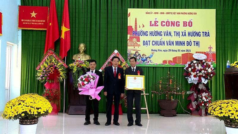 Hương Văn: Công bố phường đạt chuẩn văn minh đô thị