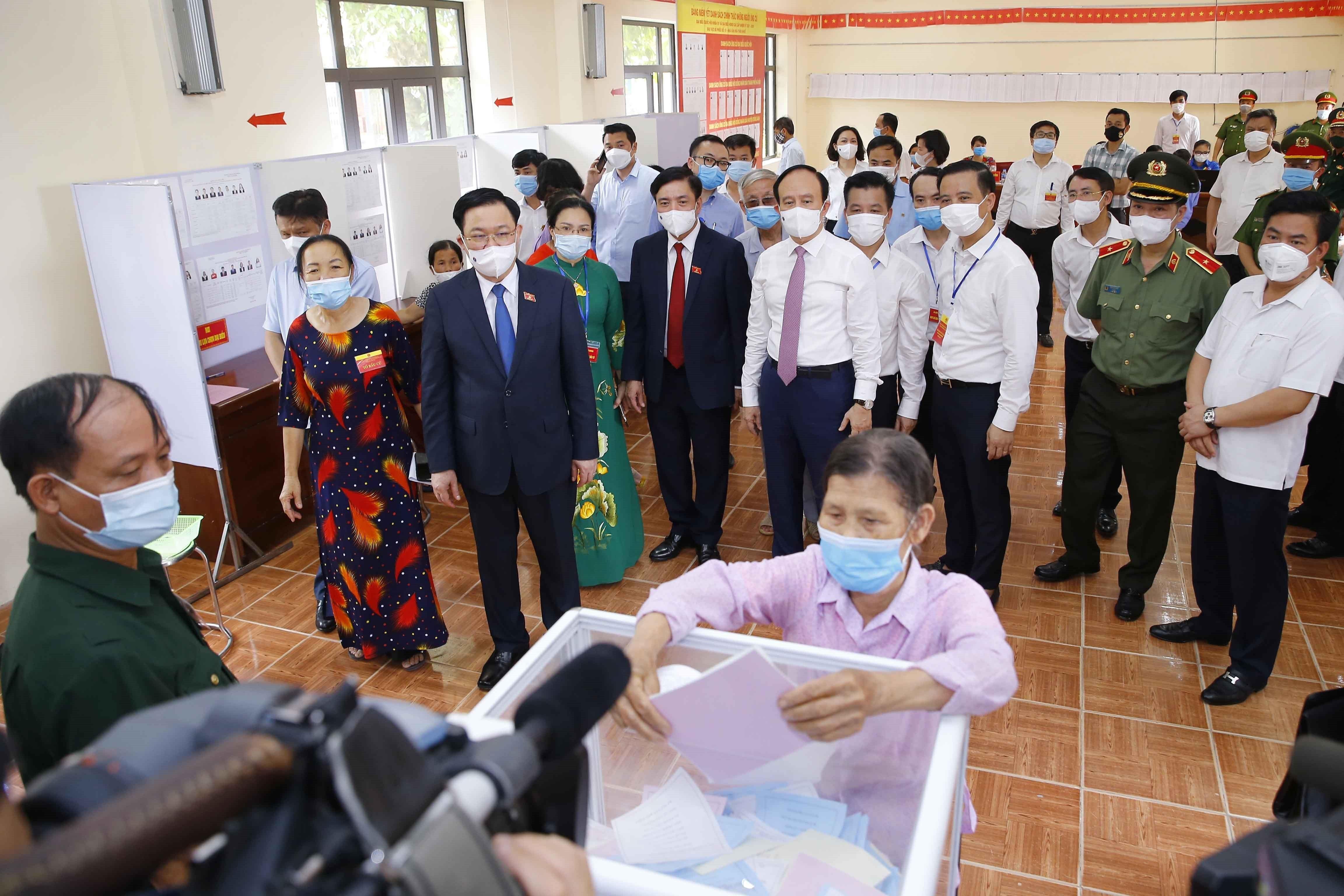Tư tưởng Hồ Chí Minh về vai trò của nhân dân trong xây dựng chính quyền
