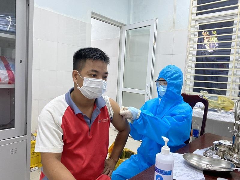 Hương Trà tiếp tục triển khai tiêm hơn 17.000 liều vắc xin phòng COVID-19